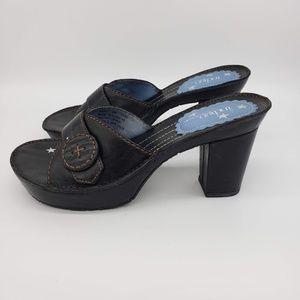 Indigo By Clarks Black Leather Platform Slides